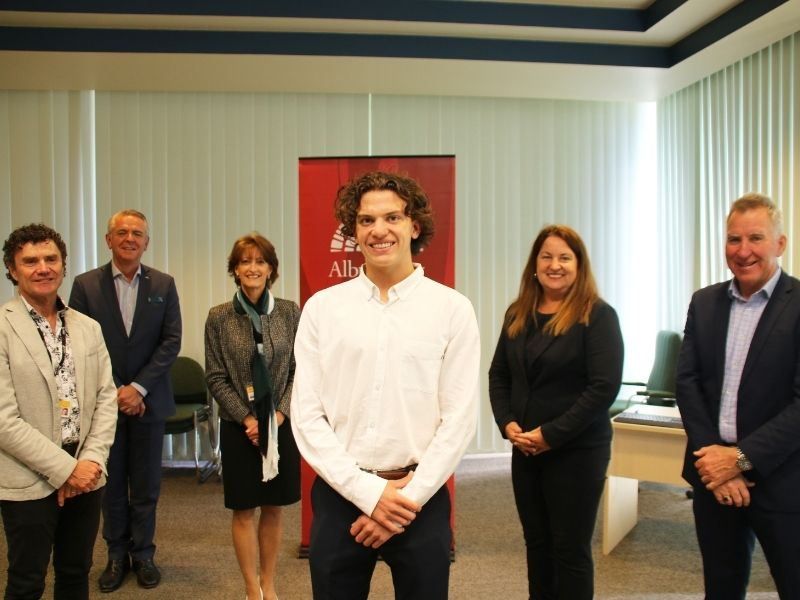 Campbell MacLean is the recipient of the 2021 AlburyCity Medical Scholarship