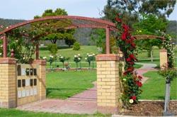 image of rose arbour at Glenmorus Gardens